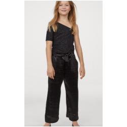 Baltai marga suknelė