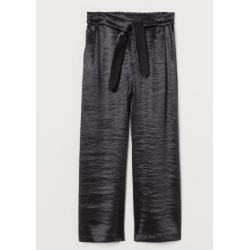 Žalia, ilga suknelė